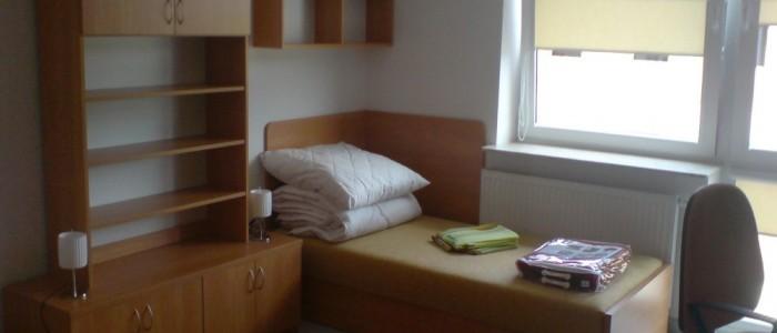 отличное общежитие в Польше, комната для двоих