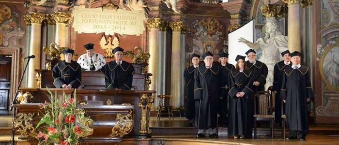 официальная церемония в польском университете